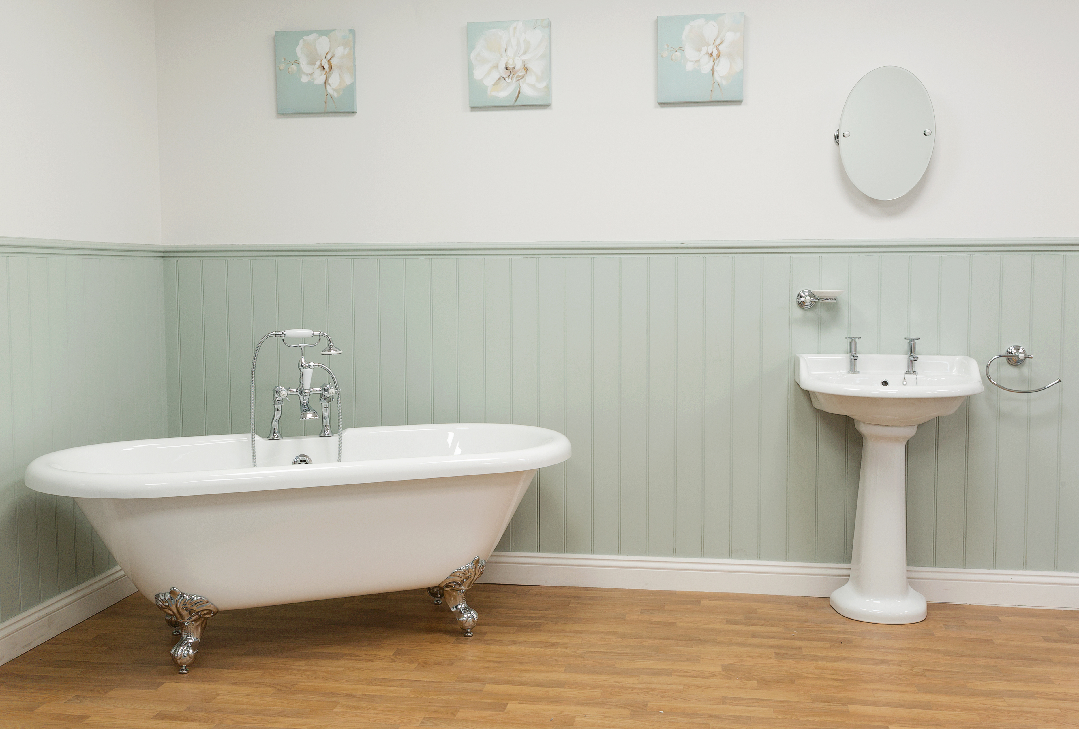 REFRESH YOUR BATHROOM! WALL MOUNTED ACCESSORIES